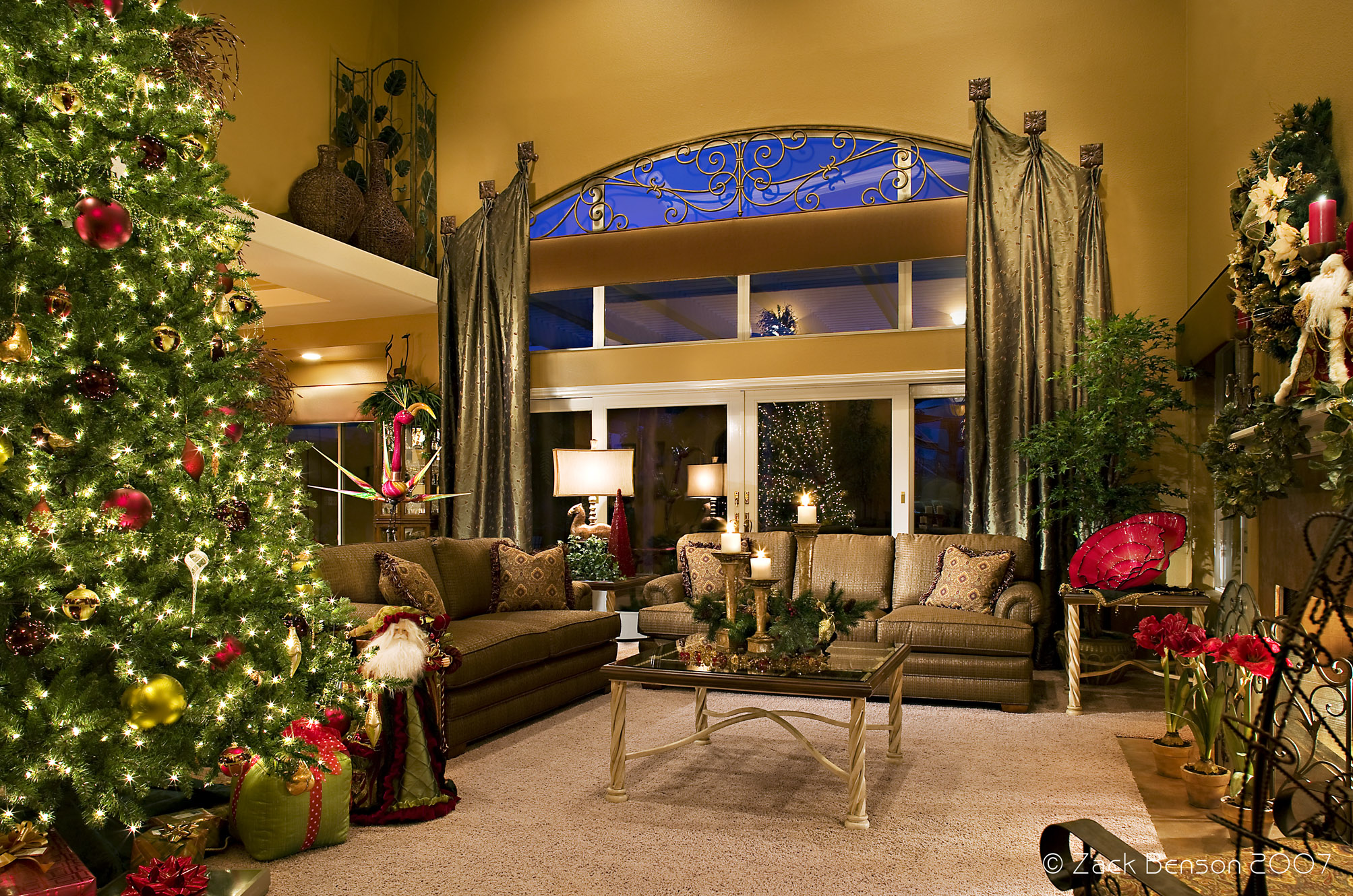 10 tips for holiday decorating decorating den interiors for Xmas living room ideas