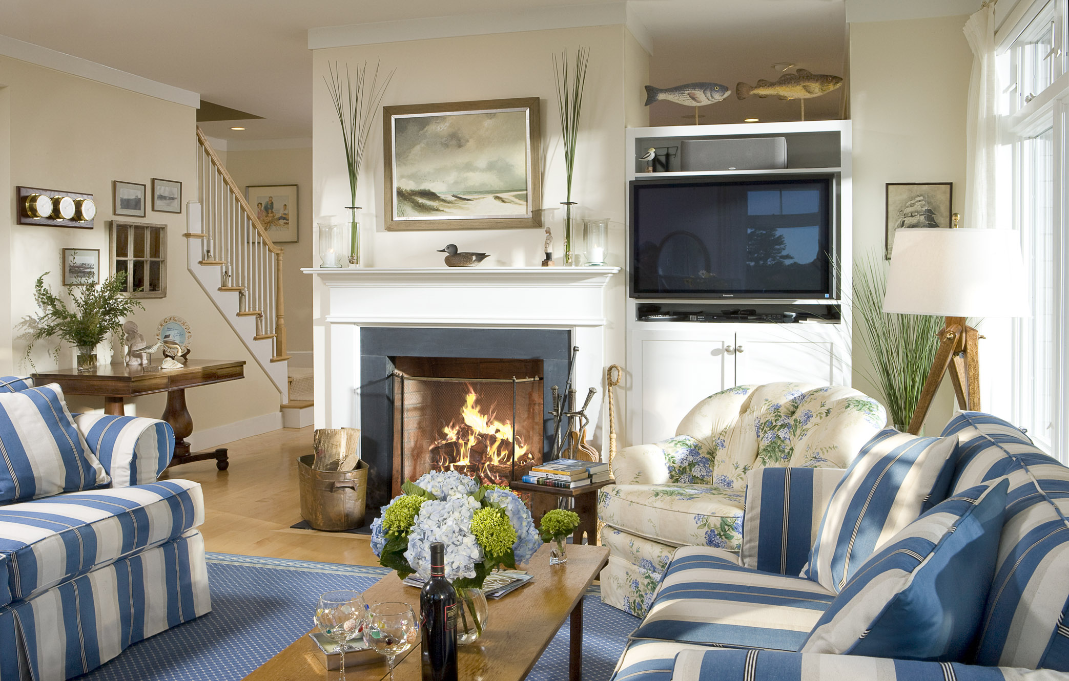 Surprising The Abcs Of Decorating S Is For Small Room Decorating Ideas Largest Home Design Picture Inspirations Pitcheantrous