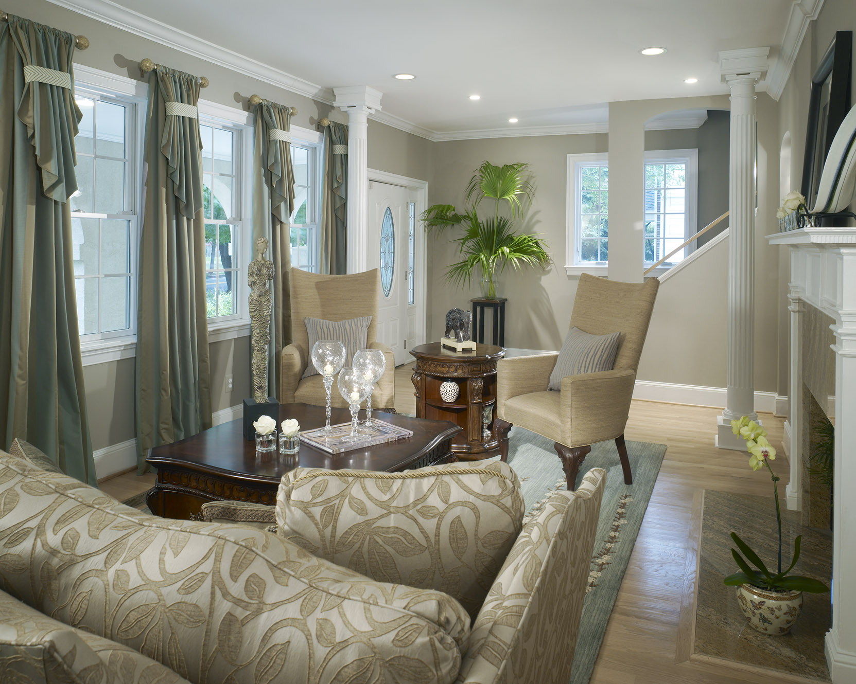Terrific The Abcs Of Decorating S Is For Small Room Decorating Ideas Largest Home Design Picture Inspirations Pitcheantrous
