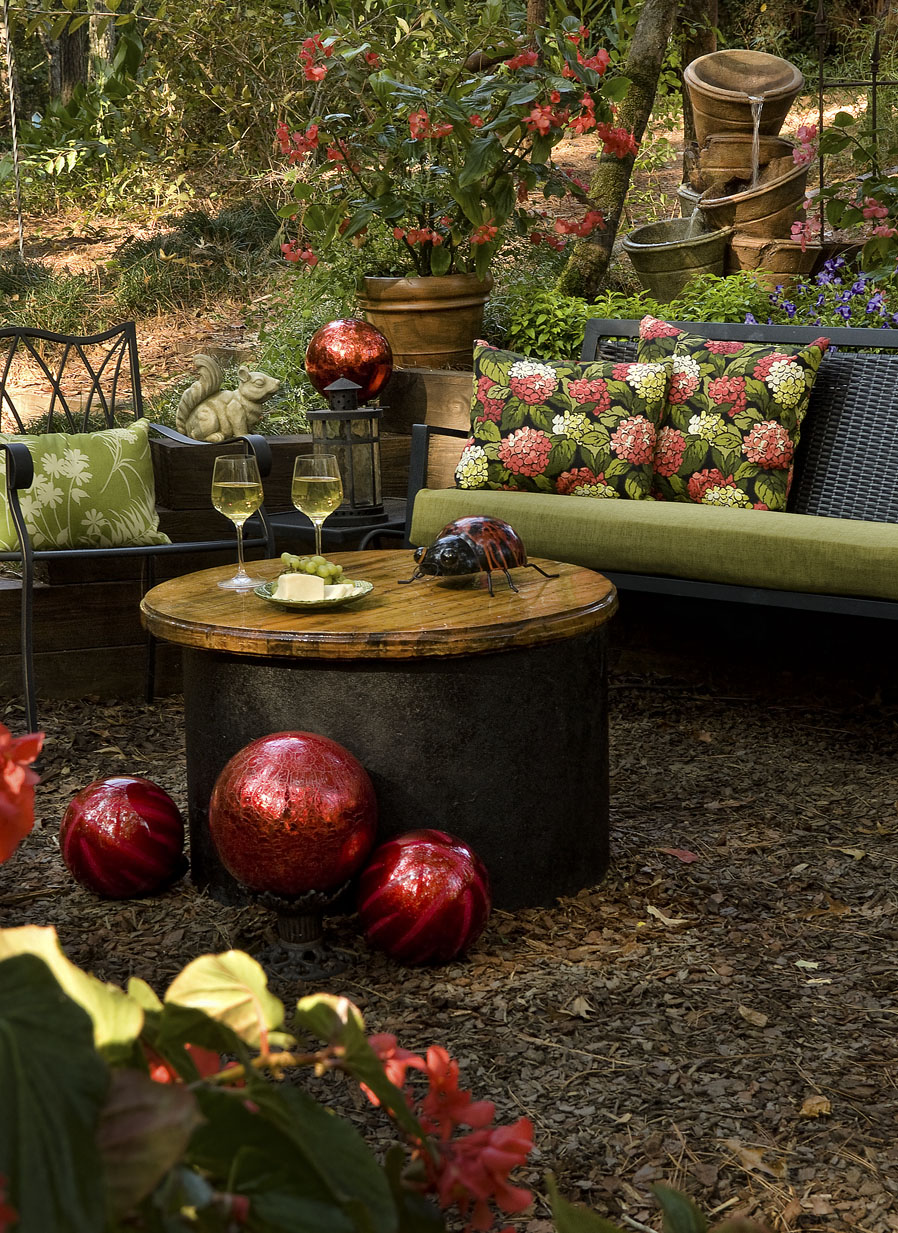 Creating Outdoor Spaces creating an inviting outdoor space! | decorating den interiors