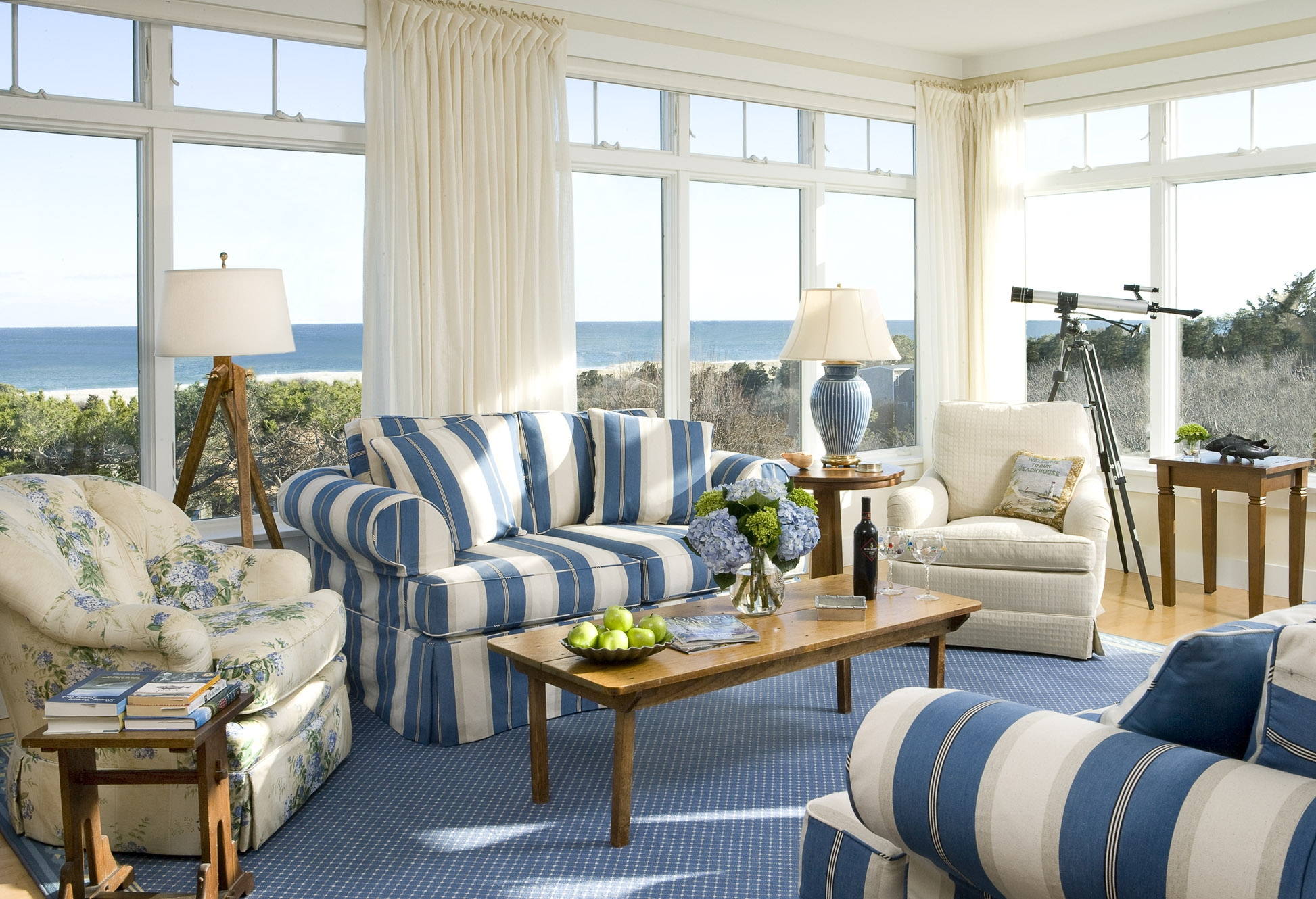 beach look living room. zamp.co