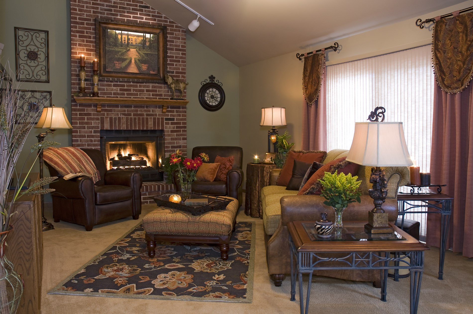 3 decorating tips to help give your home a fresh new look Help arranging furniture