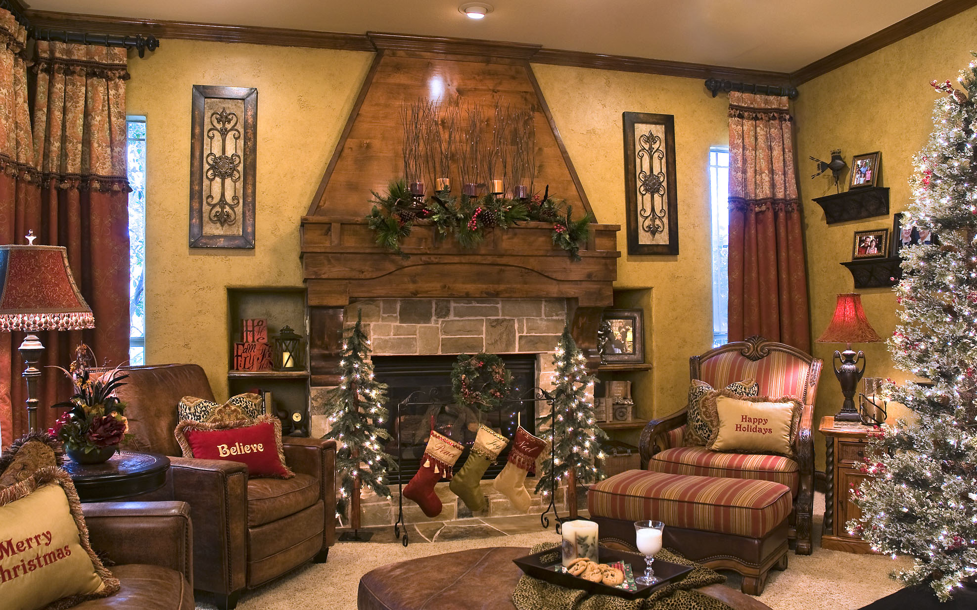 Create some holiday decorating magic decorating den for Decorating den interiors